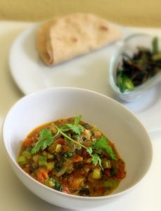 tomato-spring-onion-sabzi-curry-recipe