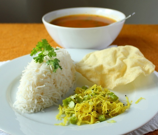 cabbage-green-beans-poriyal-recipe-rice-applam