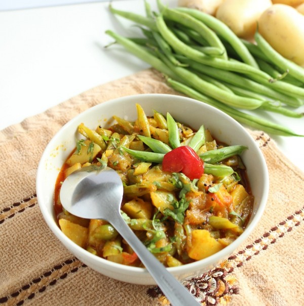 potato green beans sabzi recipe