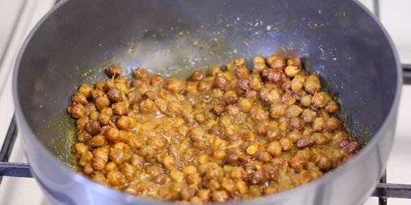 dry kala chana recipe mix spices water