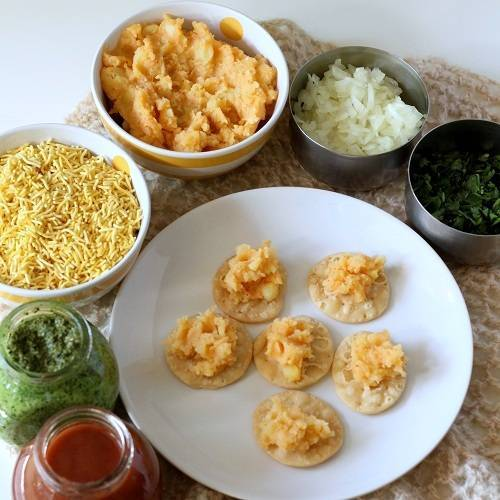 sev puri chaat step 2