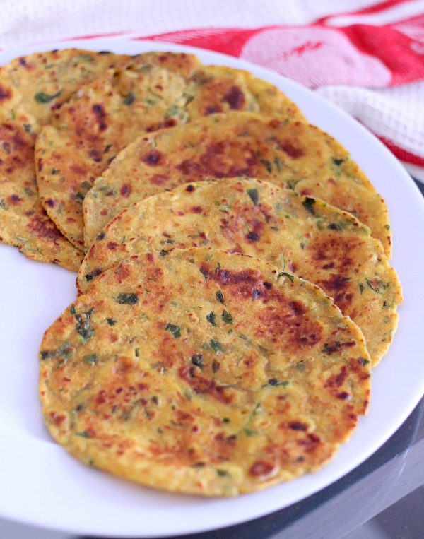 Fenugreek leaves or methi thepla recipe how to make thepla