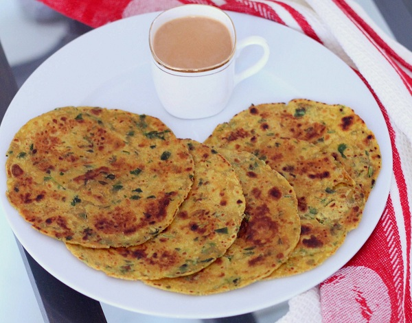 Fenugreek leaves or methi thepla recipe
