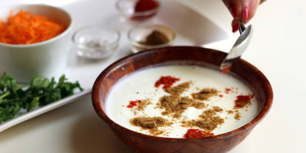 carrot raita recipe red chili powder