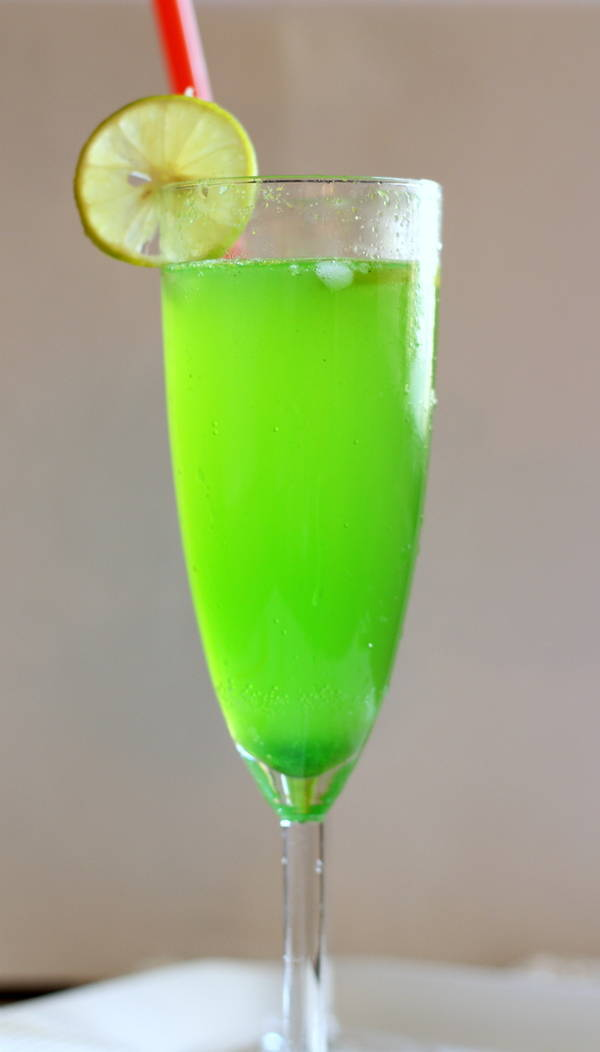 Mocktail-khus cooler sharbat