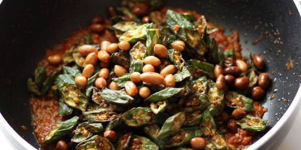 bhindi peanut masala add fried peanuts step