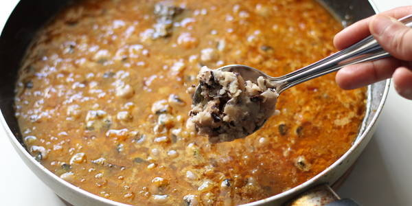 lobia curry recipe adding mashed lobia beans