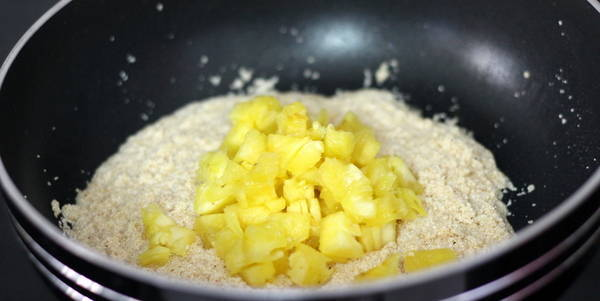 pineapple halwa recipe add pineapple chunks