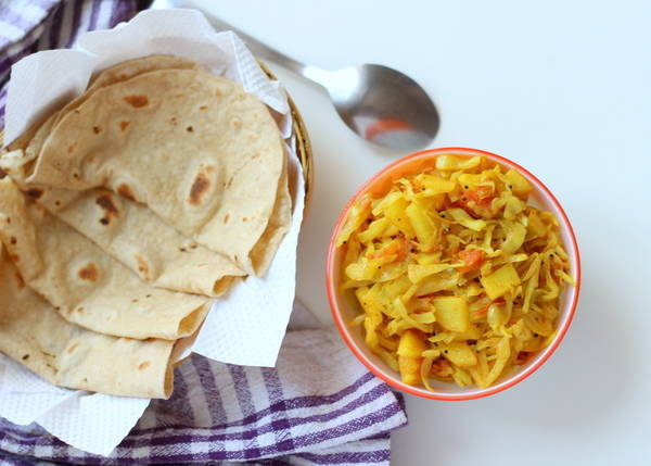 dry potato cabbage sabzi recipe