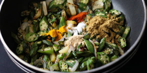 aloo bhindi fry steps adding dry spices