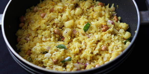 aloo poha recipe steps mix poha potato