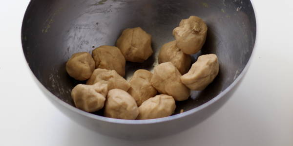 divide poori dough for poori bhaji recipe