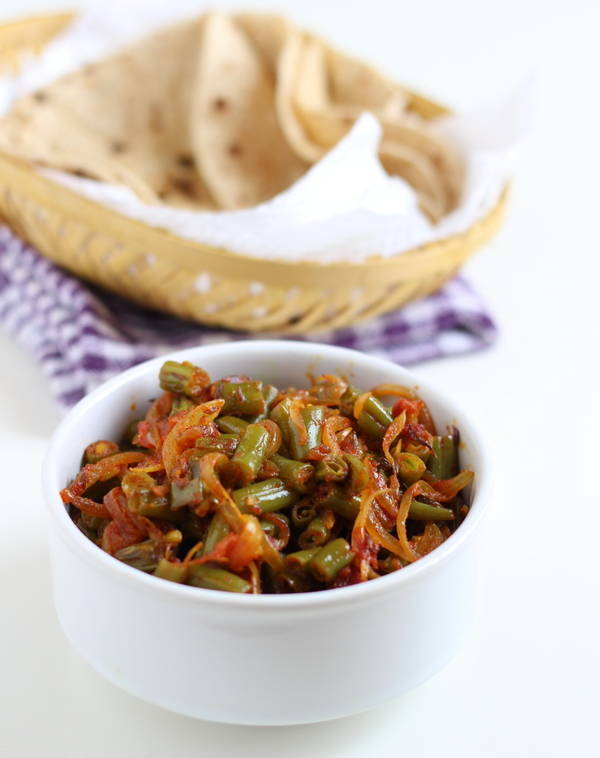 green beans onion tomato sabzi recipe