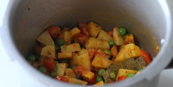 gujarati aloo matar mix vegetables