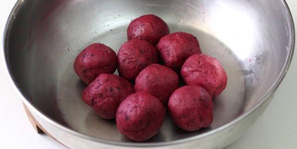 beetroot paratha round balls
