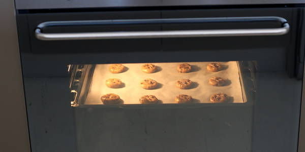 eggless Chocolate Chips Cookie in oven